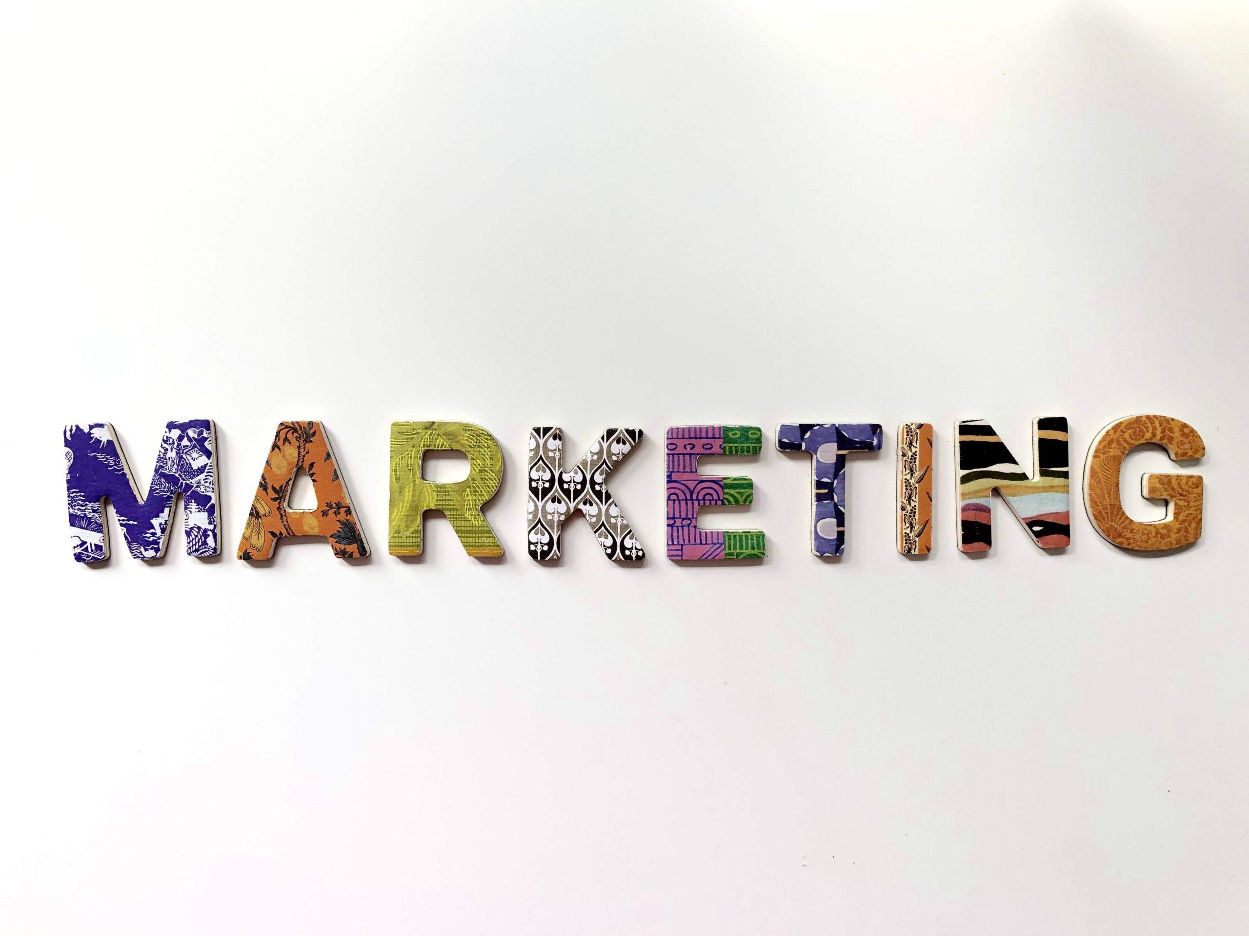 أفضل 9 دورات تدريبية لتعلم التسويق والمبيعات والعلامات التجاريةمن LinkedIn لعام[2021]