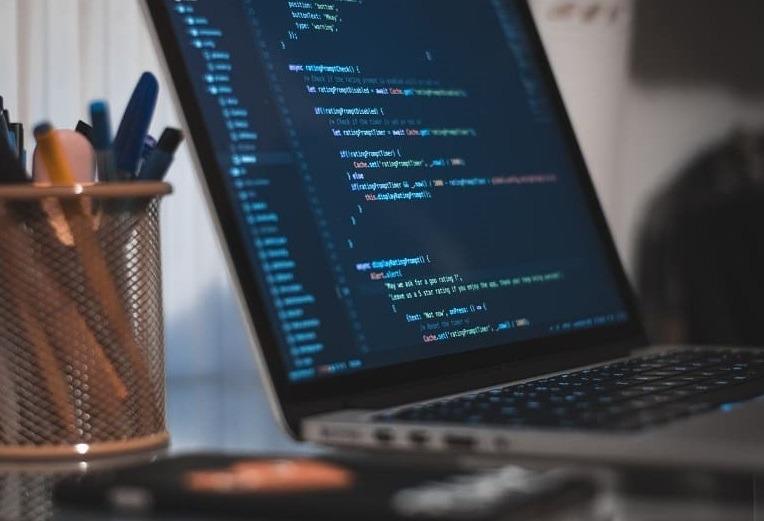 أفضل 12 دورة تدريبية ودروس تعليمية وشهادة مجانية في C ++ [2021]