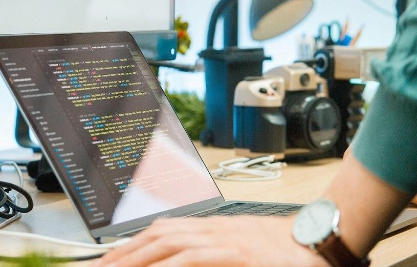 أفضل 4 دورات ودروس تعليمية في Visual Studio [2021]