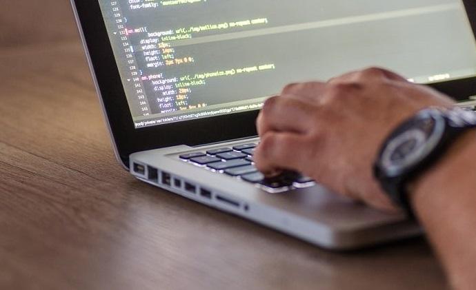أفضل 4 دورات ودروس Phaser JS لعام[2021]
